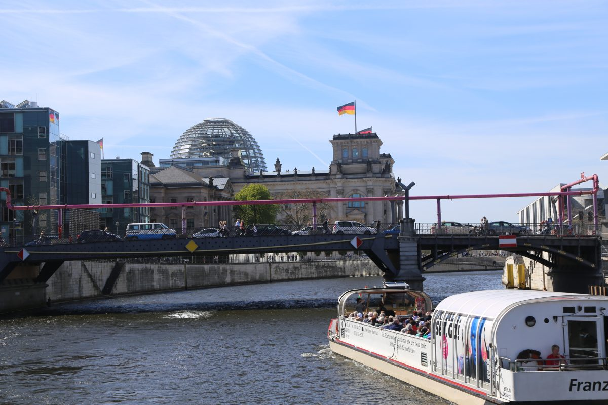 The kick-off event hosted around 100 people on a cruise down the river Spree, against famous Berlin landmarks like the Reichstag